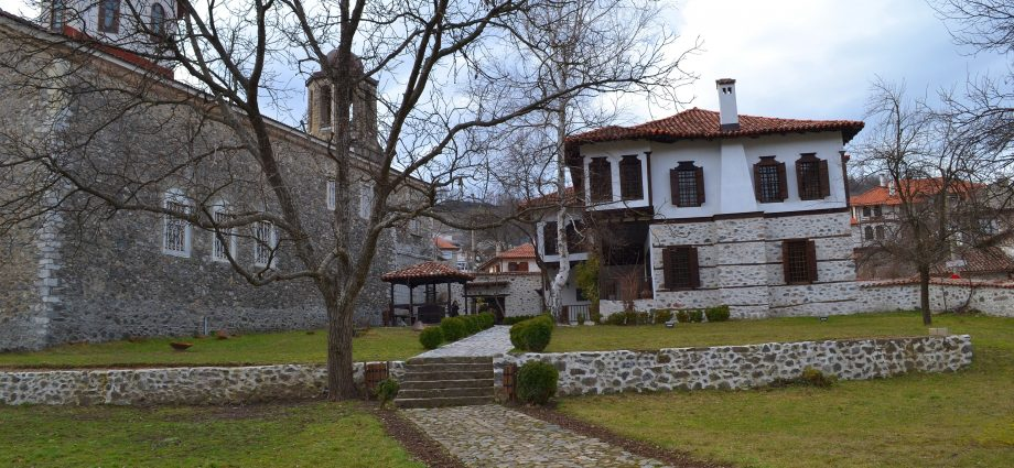 Източни Родопи - красиво парче от България, където времето не бърза, а залезите са безкрайни